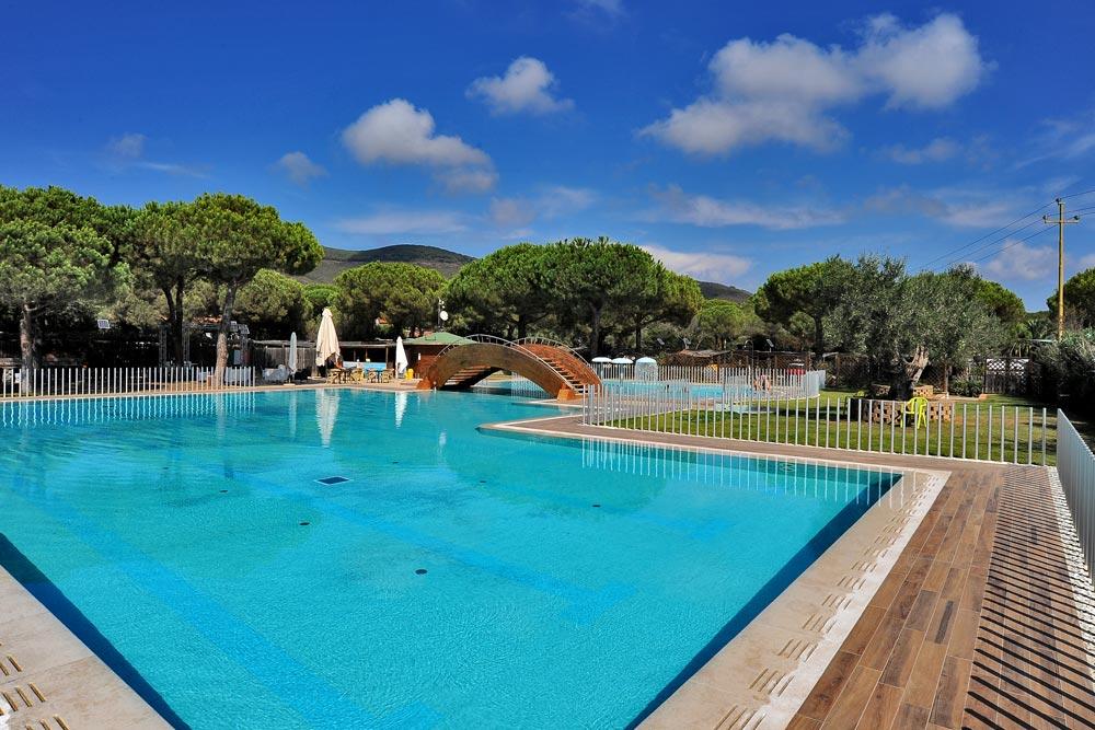 Campeggio con piscina all 39 isola d 39 elba lacona pineta - Camping en oliva con piscina ...