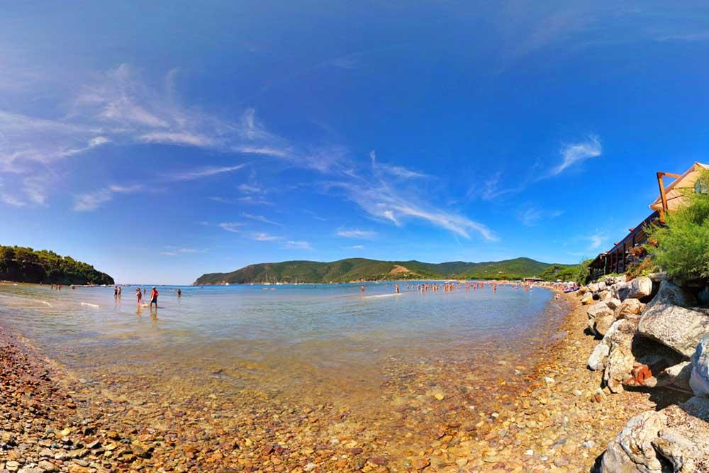Spiaggia Di Lacona  Vicino Al Campeggio